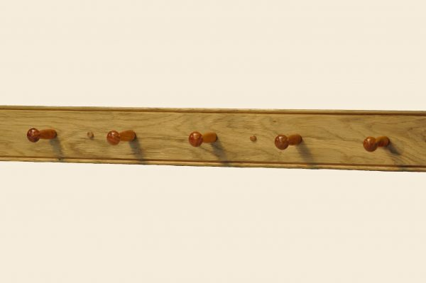 oak shaker peg rail