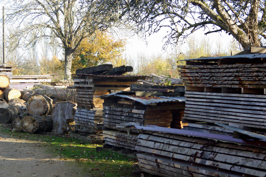 the founders of the arts and crafts movment stored their timber in exactly the same way as this
